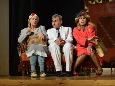 """Христо Гърбов e """"Министърът женкар"""" в страхотна комедия в Двореца на културата и спорта"""