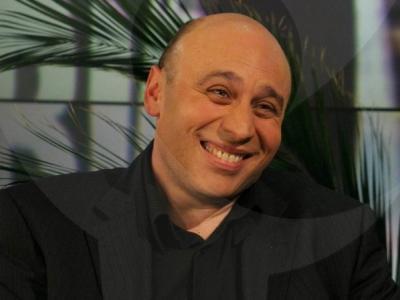 """Лафазанов с ново стендъп комедийно шоу! """"КОМИКадзе на Кръстюпът""""  в Moonlight Bar & Restaurant"""