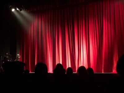 Хитови театрални комедии предстоят във Варна през октомври и ноември